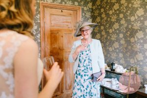 Mother seeing the bride for the first time