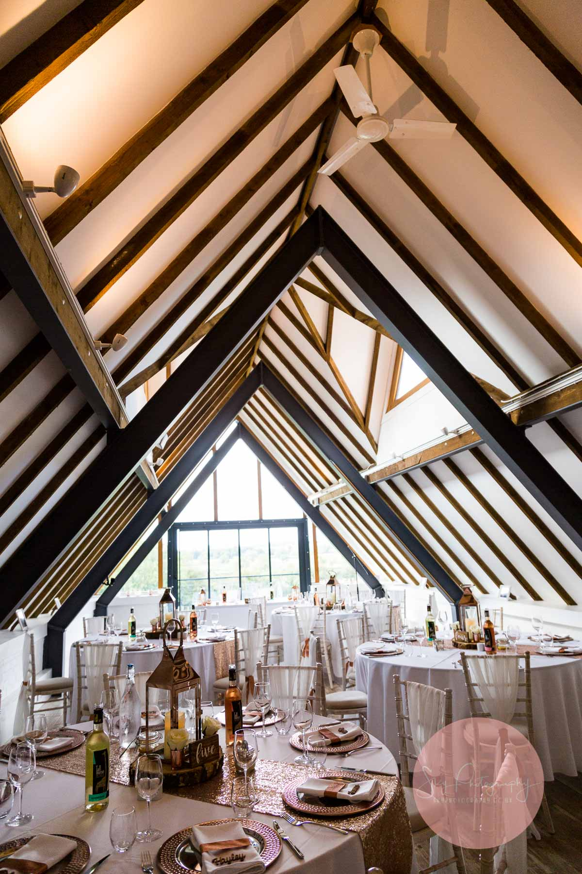 photo of ceremony room at Wood Farm everdon