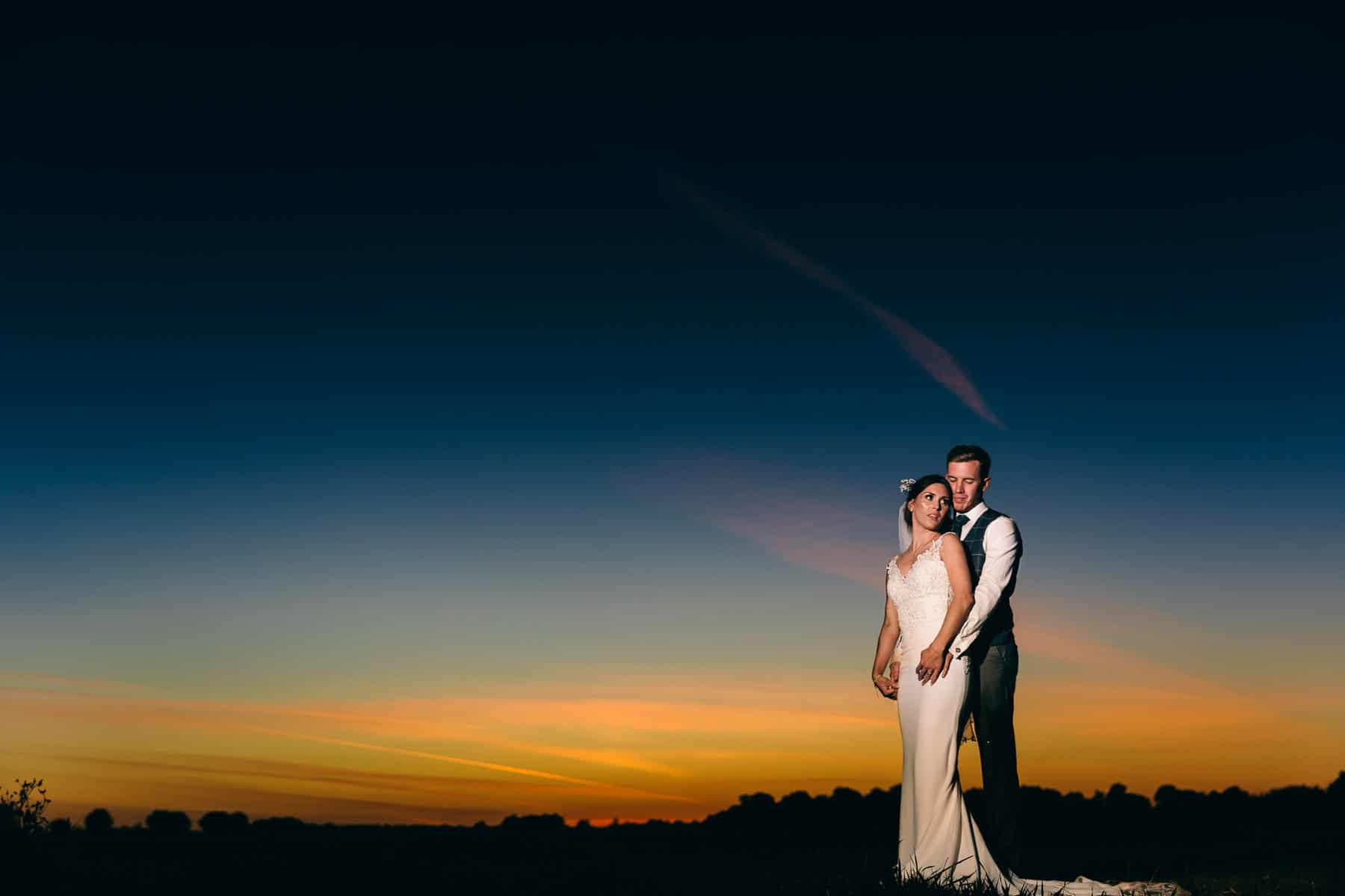 Beautiful dusk wedding photography using OCF magmod
