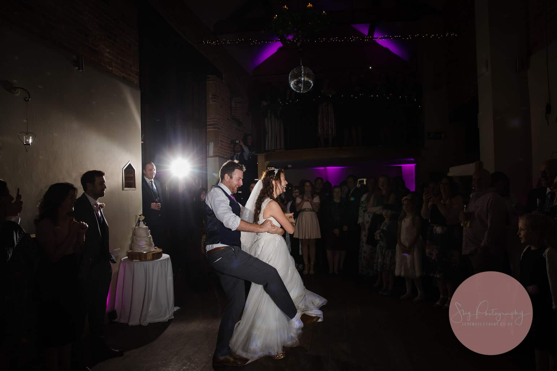 groom getting his foot stuck whilst performing first dance routine, funny moment